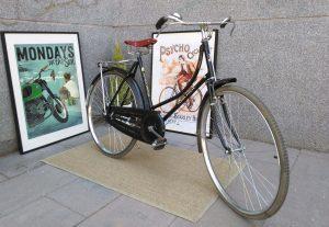 Los Martínez Banco de bicis Alquiler bicicletas flying pigeon barra baja china