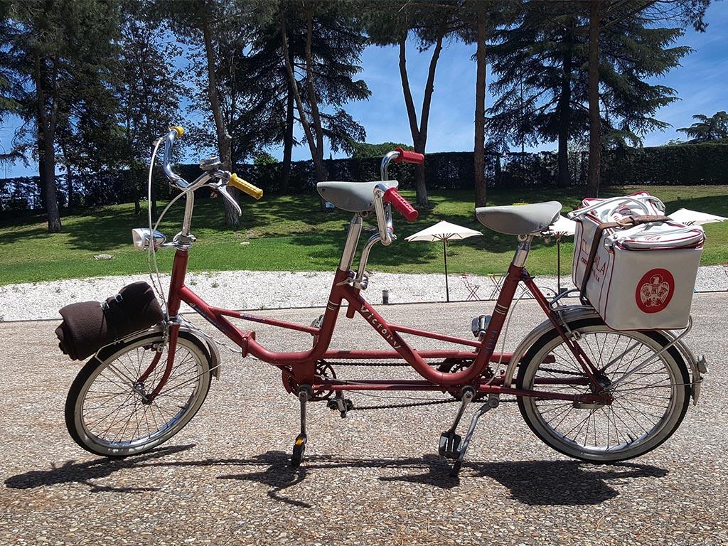 Los Martínez Banco de bicis Alquiler bicicletas tandem vintage