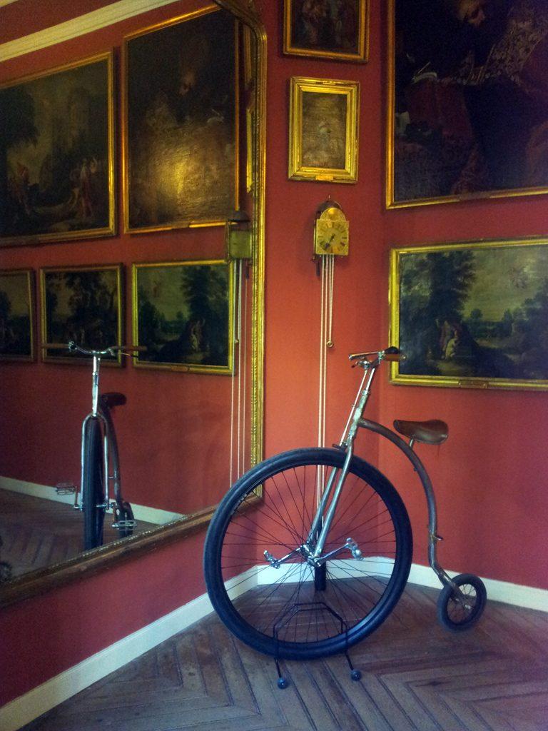 Los Martínez Banco de bicis Alquiler bicicletas Museo cerralbo velocipedo