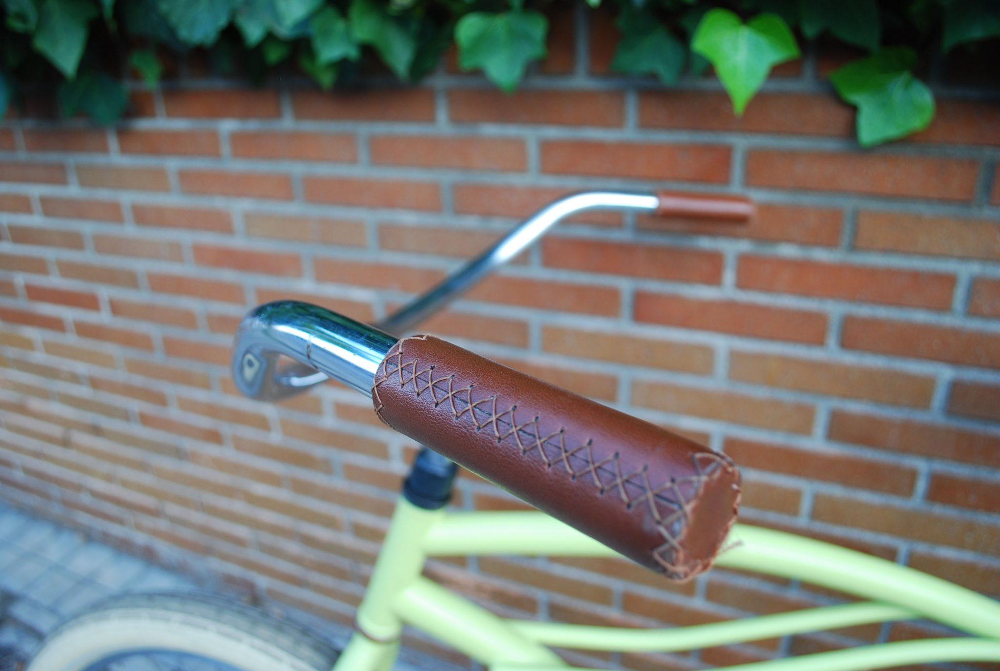 Los Martínez Banco de bicis Alquiler bicicletas cruiser verde