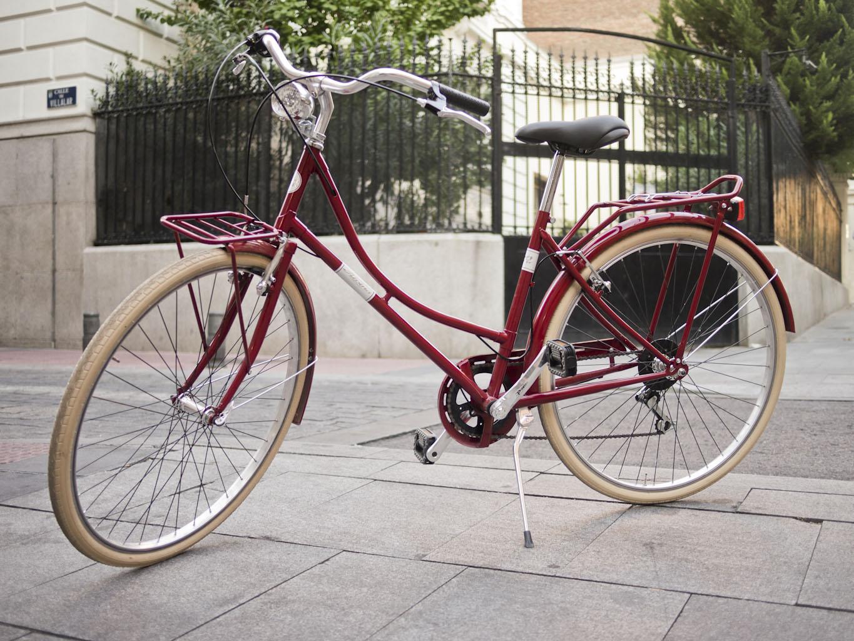 Los Martínez Banco de bicis Alquiler bicicletas Alpina viaggio roja