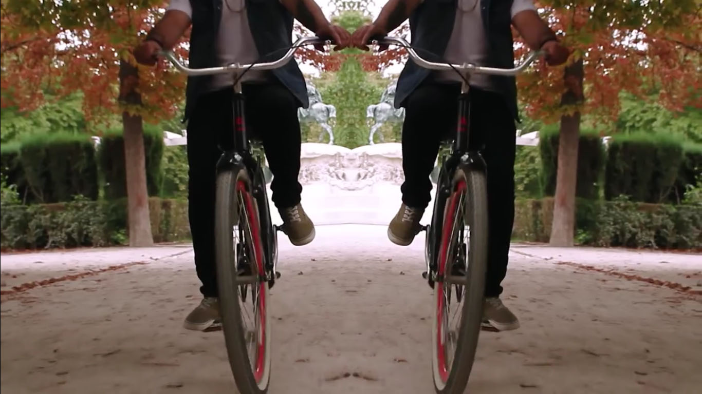 Los Martínez Banco de bicis Alquiler bicicletas Videoclip Cefiro Crazy Horse Appalossa