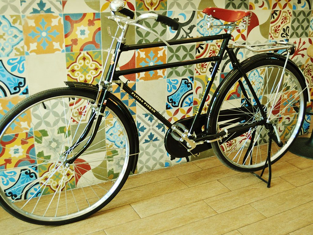 Los Martínez Banco de bicis Alquiler bicicletas flying pigeon doble barra china