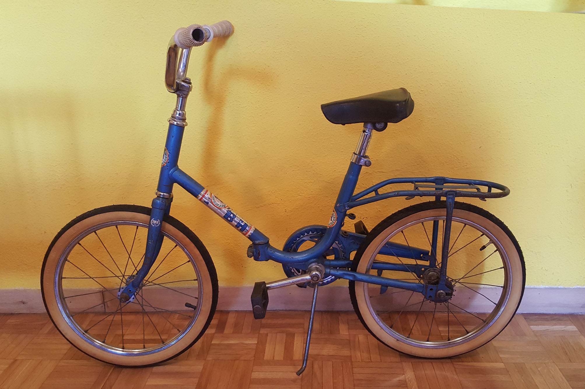 BH Años 70 niño Los Martínez Banco de bicis Alquiler y venta