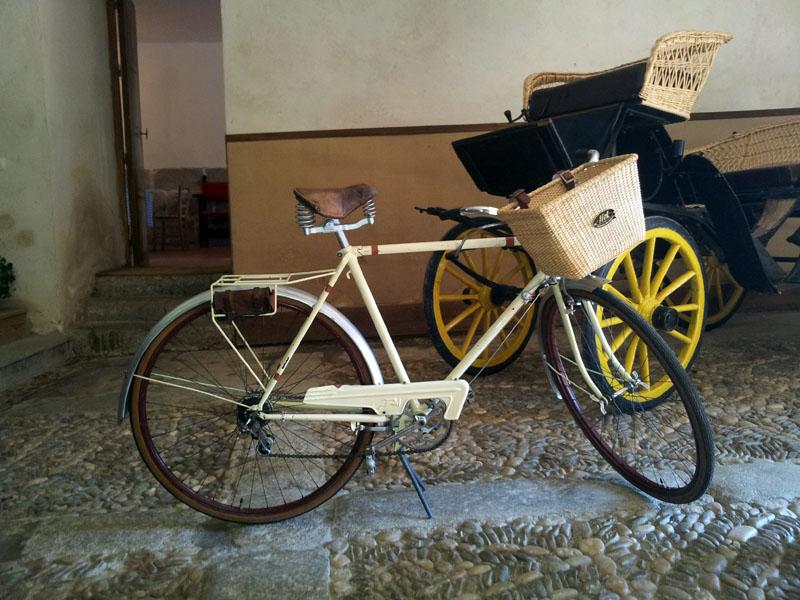 Los Martínez Banco de bicis Alquiler de bicicletas especiales para ocasiones especiales Boda Lalablu