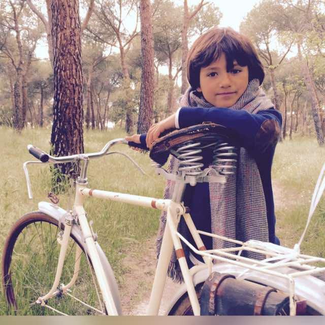 Los Martínez Banco de bicis Alquiler bicicletas BH antigua clasica primera comunión