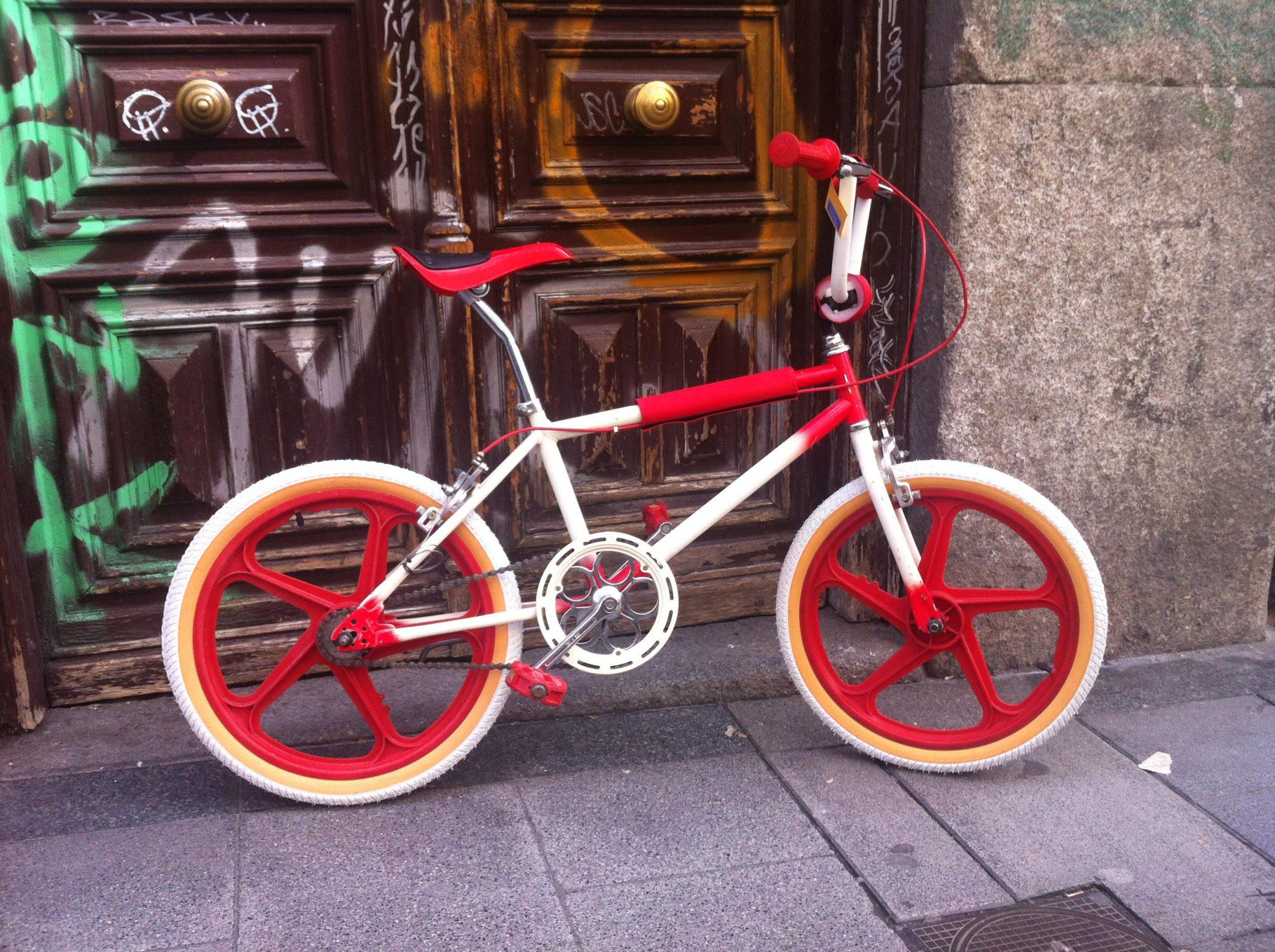 Los Martínez Banco de bicis Alquiler bicicletas BMX