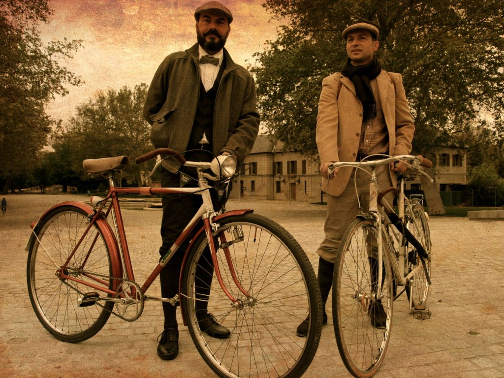 Los Martínez Banco de bicis Alquiler bicicletas facebook_tweed_ride_madrid cyclechic