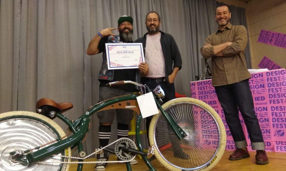 """Dos Martínez, primer premio en el concurso IED """"Bicis con sello"""""""